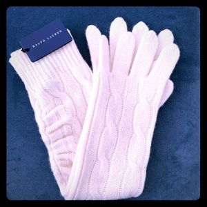 Lot: Ralph Lauren Cashmere blend gloves